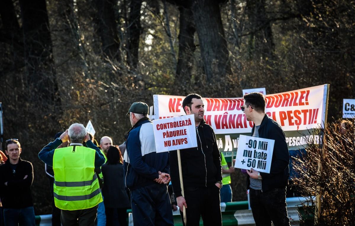 protest vanatori si pescari directia silvica (18)