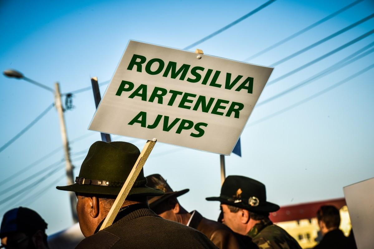 protest vanatori si pescari directia silvica (20)