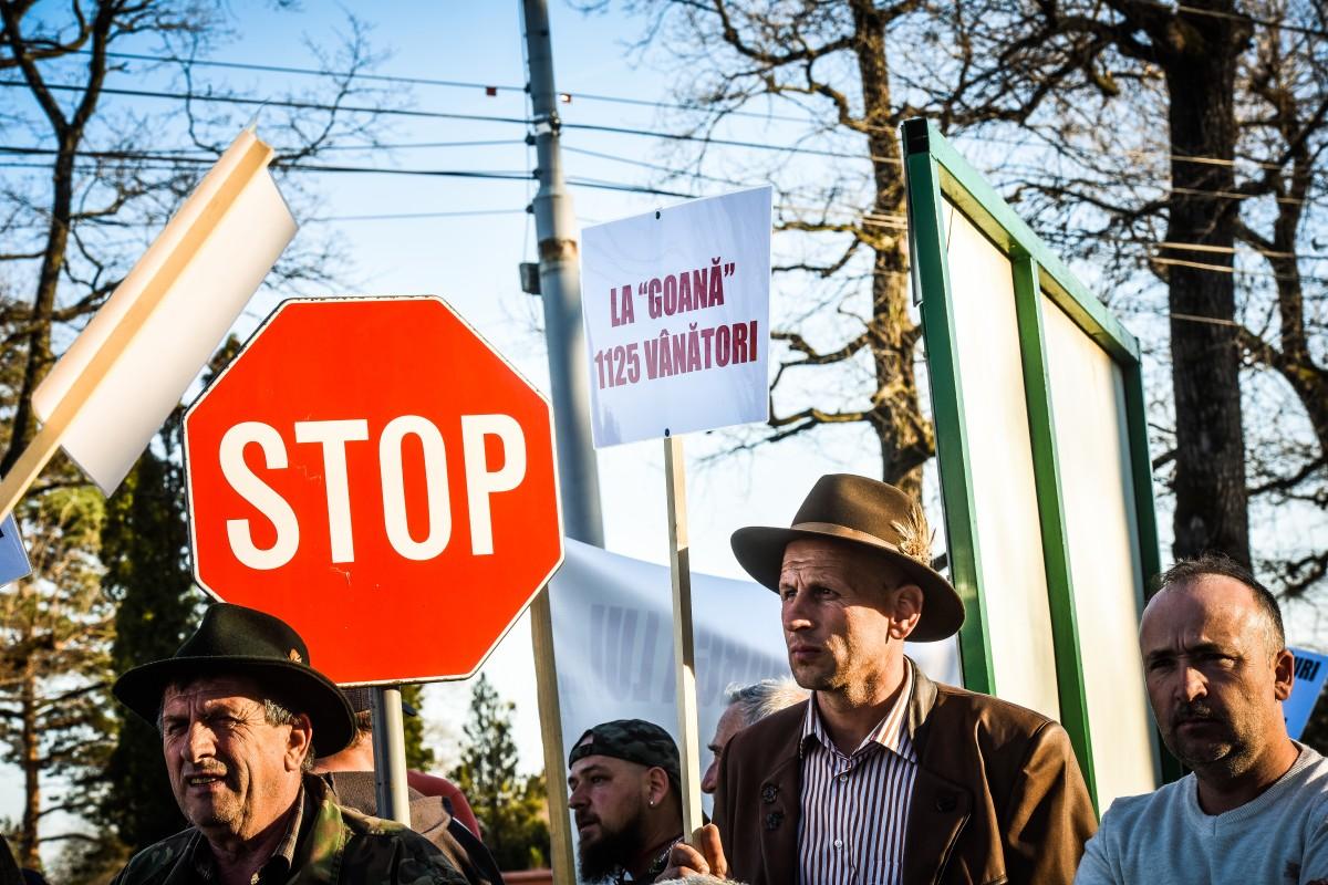 protest vanatori si pescari directia silvica (21)
