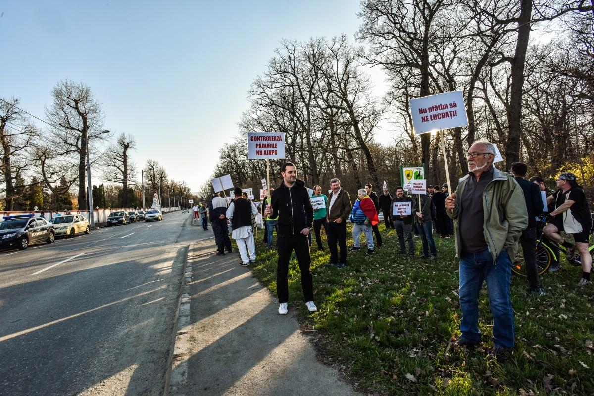 protest vanatori si pescari directia silvica (24)