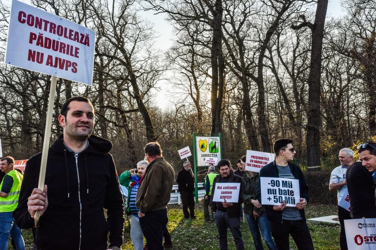 protest vanatori si pescari directia silvica (25)