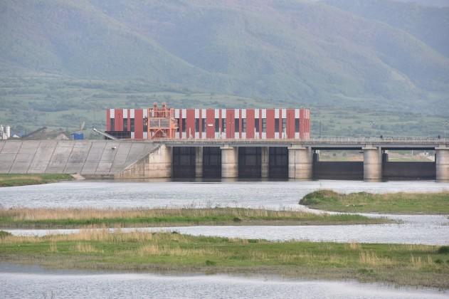 hidrocentrala Barajul CHE Racovita este golit 1