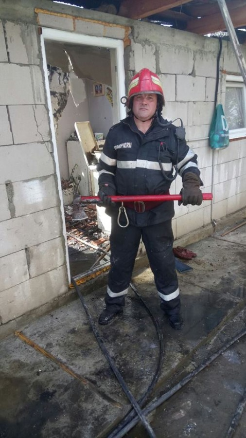 incendiu pompieri ISU (3)