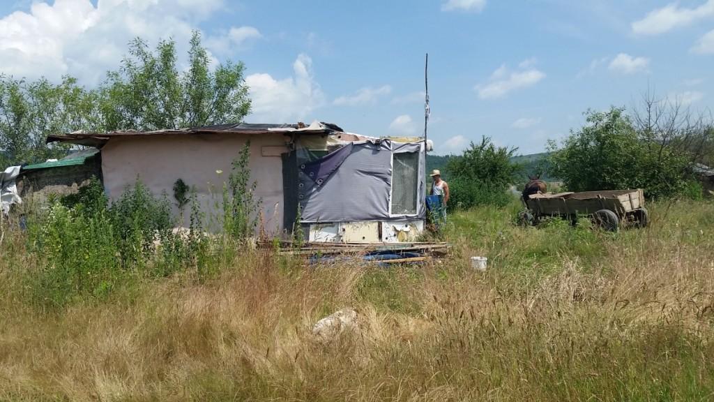 Construcții ilegale pe malul Oltului, la Porumbacu