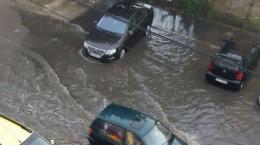 inundatii strada hategului ploaie (2)