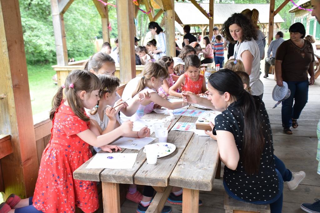 targ de jucarii muzeul astra copii (5)