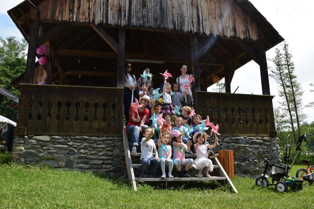 targ de jucarii muzeul astra copii (8)