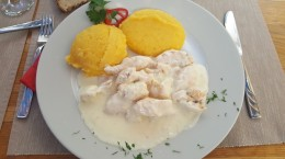 tochitura domnitei restaurant unglerus
