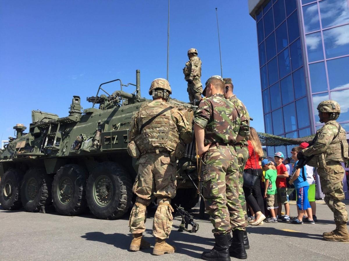 expozitie militara soldati armata americani (12)