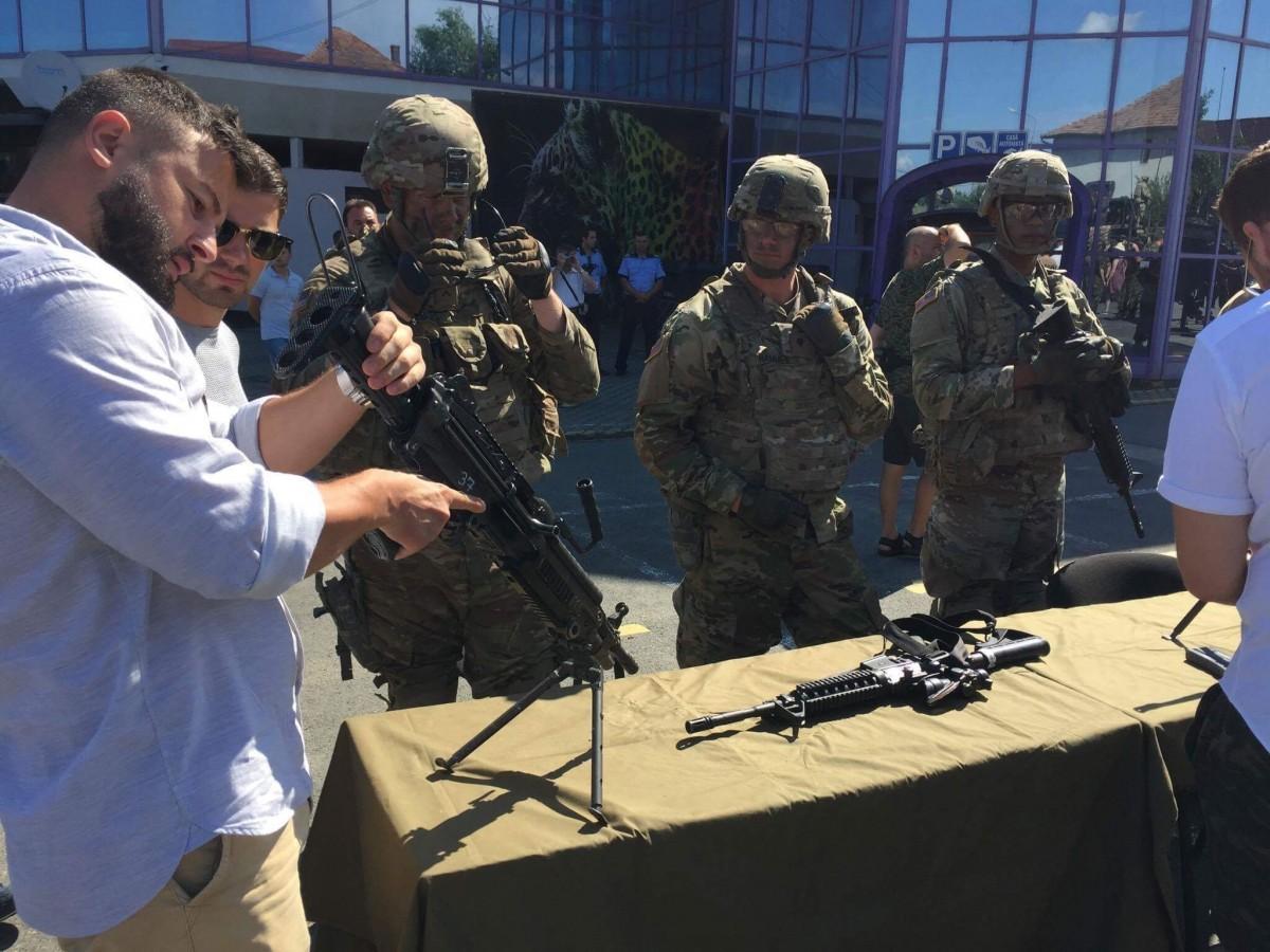 expozitie militara soldati armata americani (4)