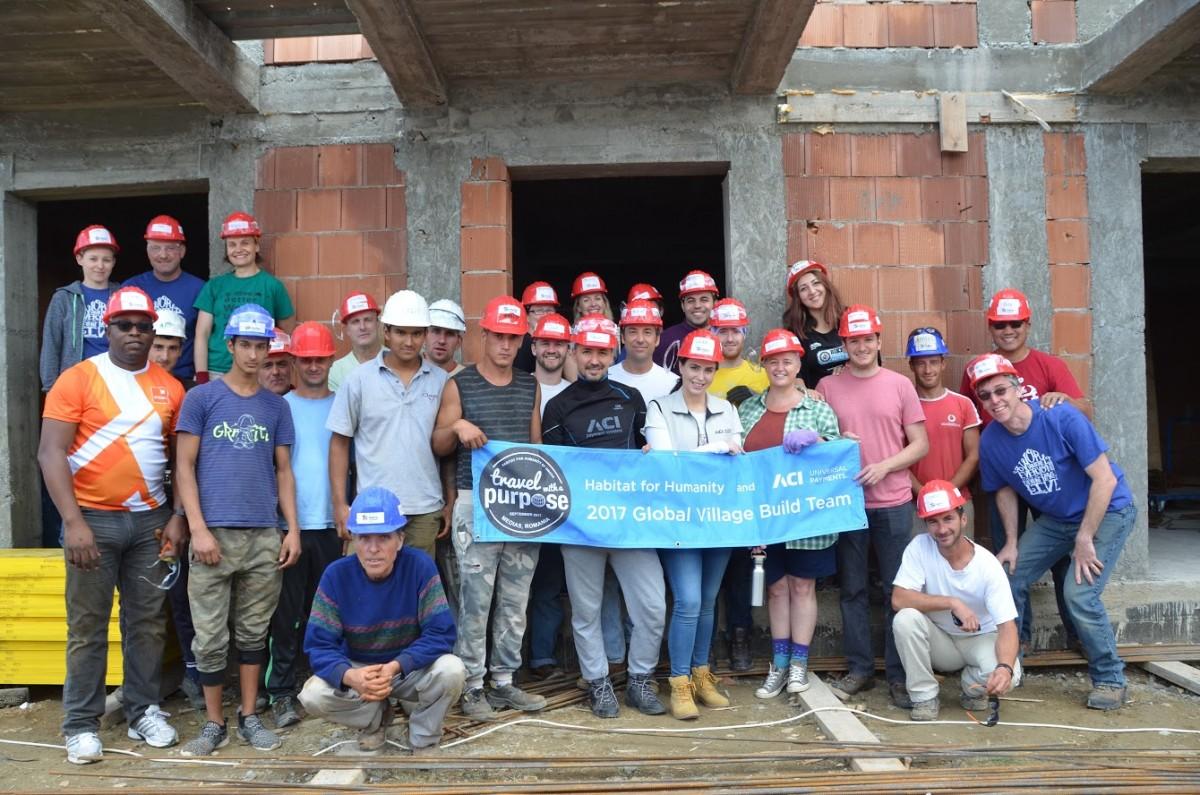 Voluntari straini pe santierul Habitat for Humanity Medias (2)