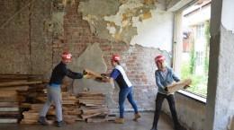 Voluntari straini pe santierul Habitat for Humanity Medias (3)