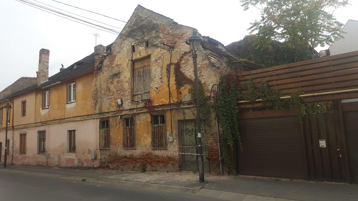 casa prabusire zidului