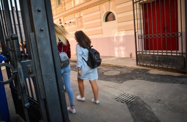 prima zi de scoala elevi lazar liceeni copii scoala