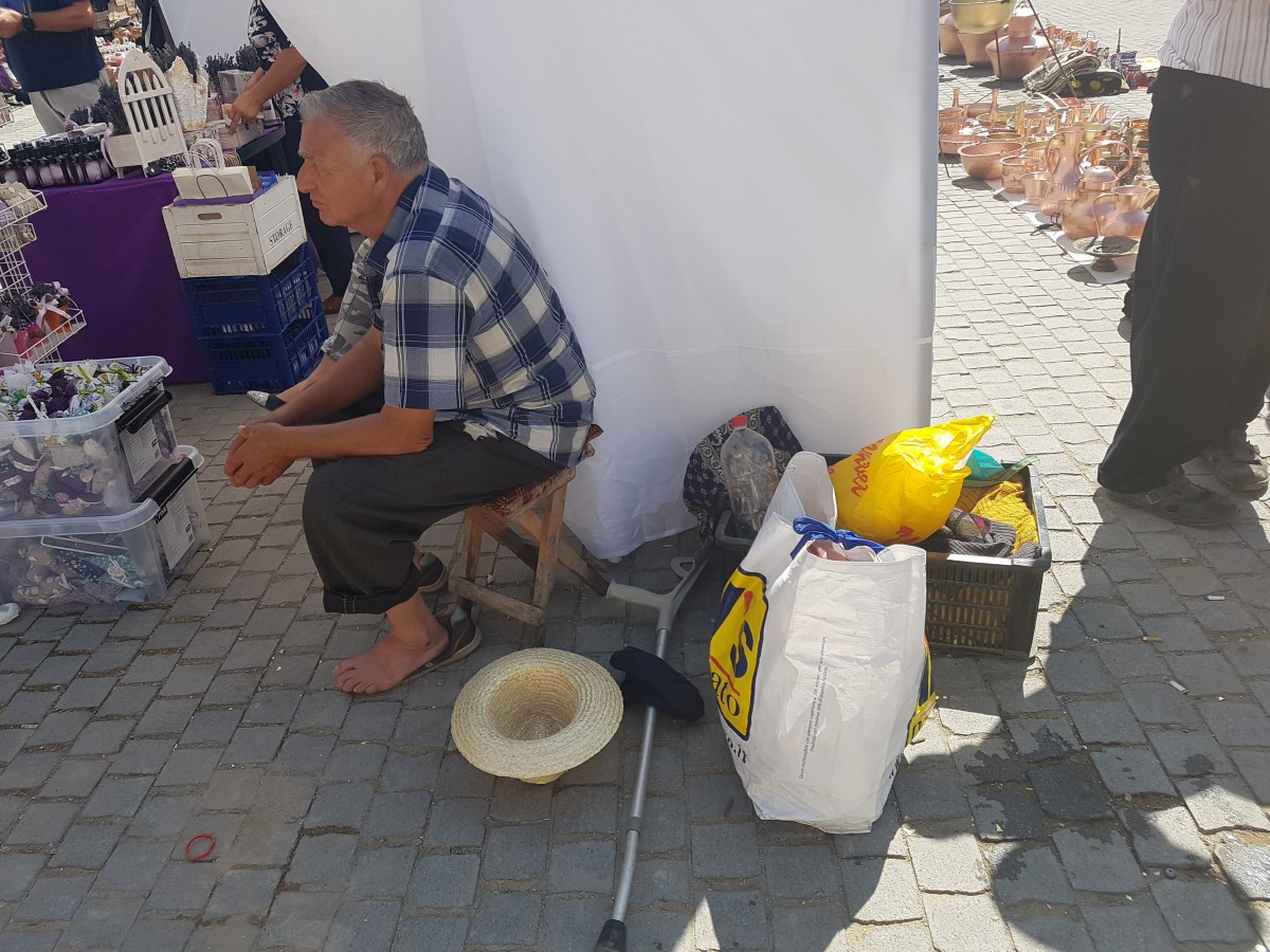 targul romilor (2)