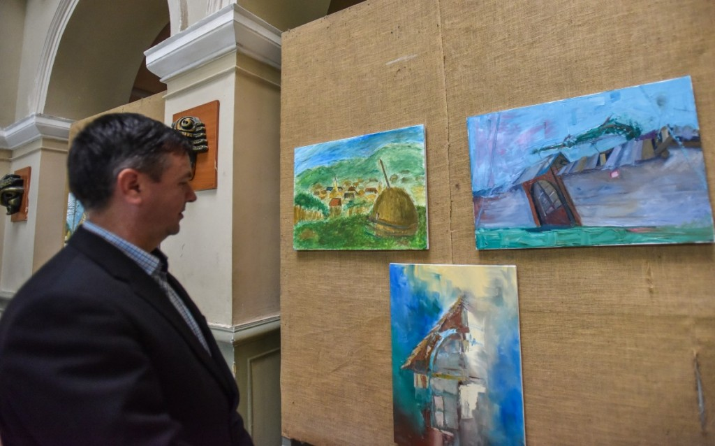 vernisaj expoztie pictura AIOS liceu arte (18)