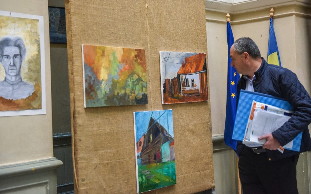vernisaj expoztie pictura AIOS liceu arte (19)
