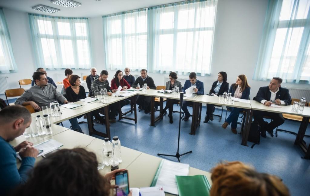 Reprezentanții companiilor implicate și cei ai instituțiilor publice au participat miercuri la o întâlnire pe tema învățământului dual, la Colegiul Independența