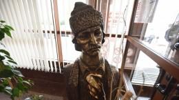protest bust avram iancu (7)