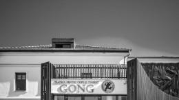 Gong - albnegru