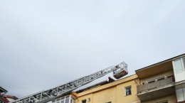 pompierii vant scara tabla desprinsa (2)
