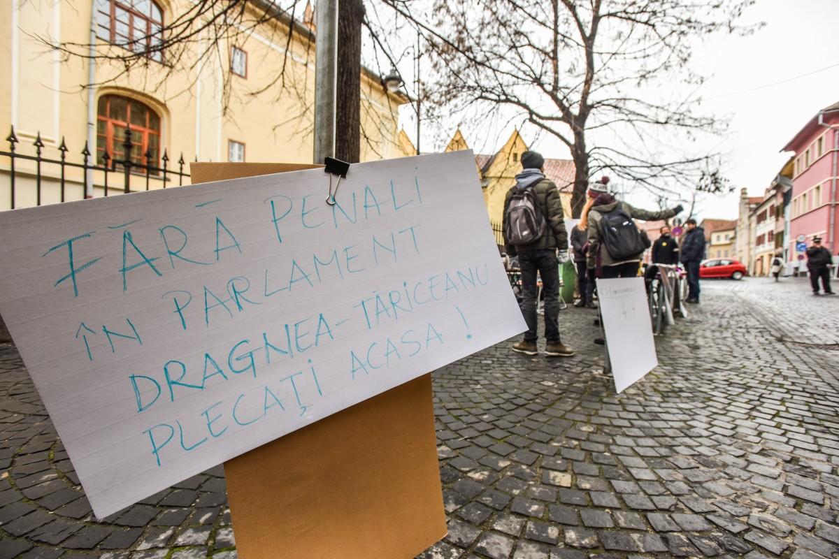 sit in protest sediu PSD (6)