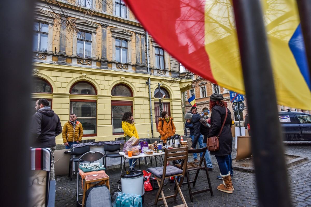 sit in protest sediu PSD (7)