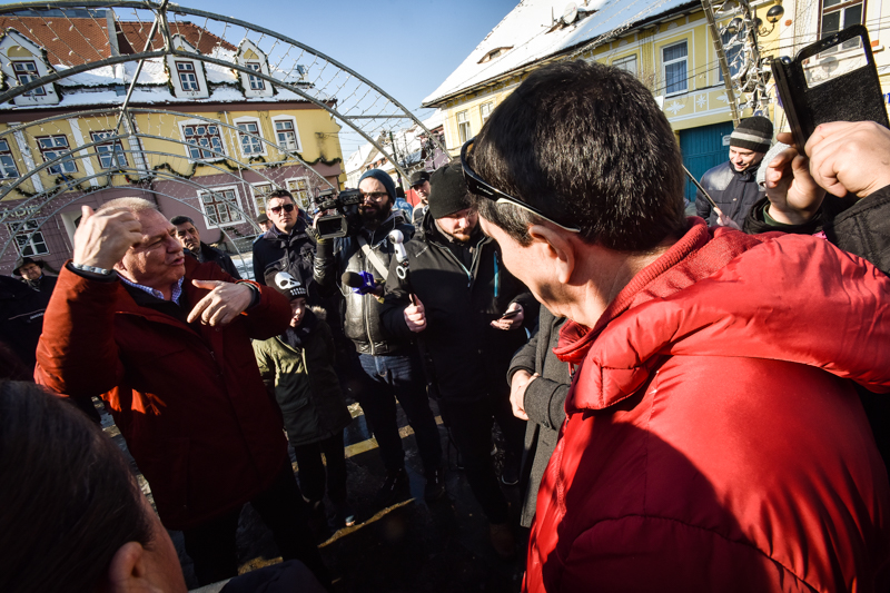 Huja protest cisnadie cartierul arhitectilor (29)