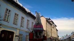 ISU pompieri gheata acoperisuri