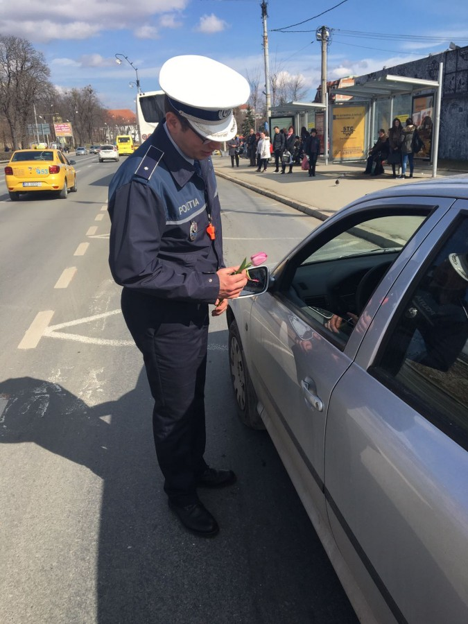 politie flori 8 martie (9)
