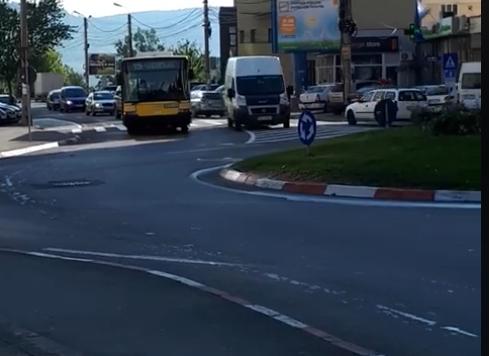 autobuz defect semaforului