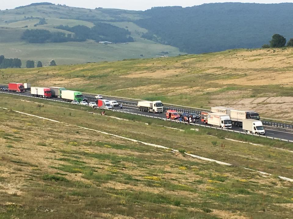accident autostrada foto Mihai Scoarste