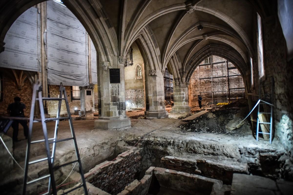 biserica evanghelica descoperiri arheologice (24)