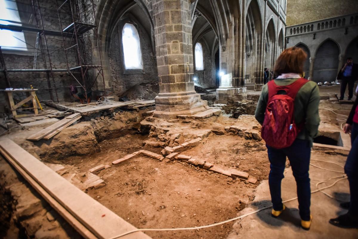 biserica evanghelica descoperiri arheologice (37)