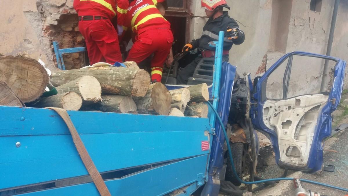 camioneta lemne 1