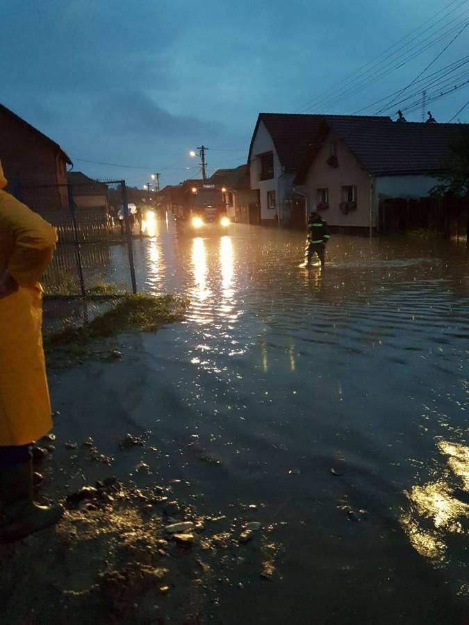 raed arafat inundatii ocna (5)