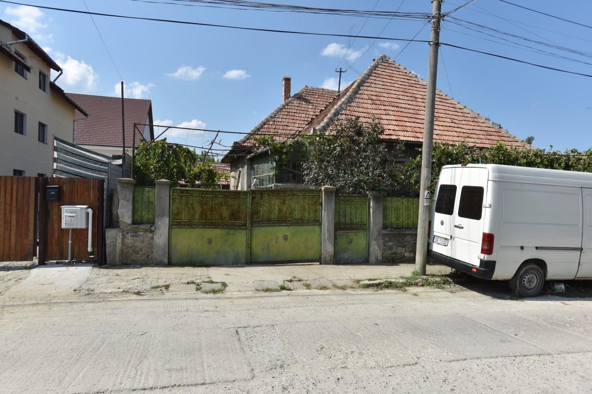 Mirosul din grajul casei de pe strada Rozdești, nr. 12, se simte până pe Calea Poplăcii