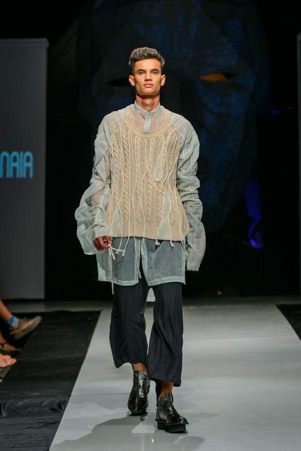 Locul II - design vestimentar - Elena Bannaia