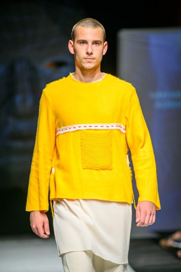 Locul III - design vestimentar - Mihaela Nan