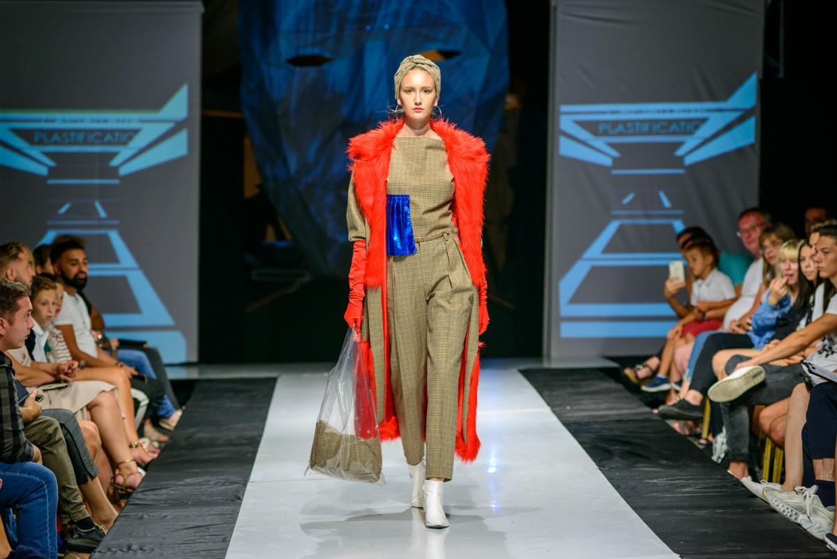 Locul II - sectiunea modele - Bianca Mazilu
