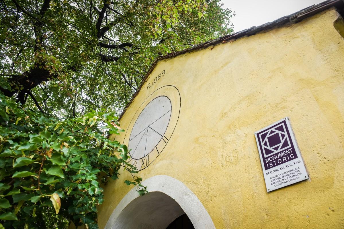 ceas solar biserica gusterita (4)