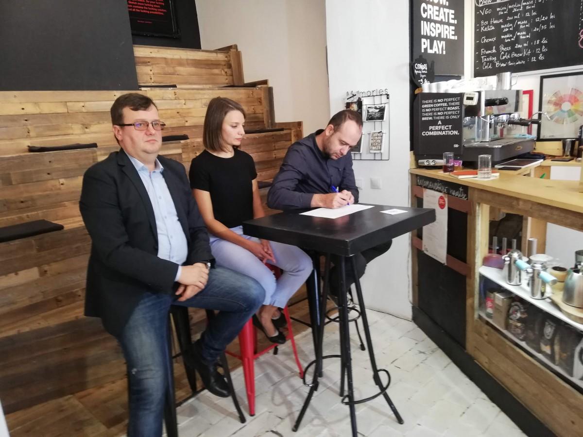 """Ciprian Ciocan semnează inițiativa """"Oameni noi în politică"""""""