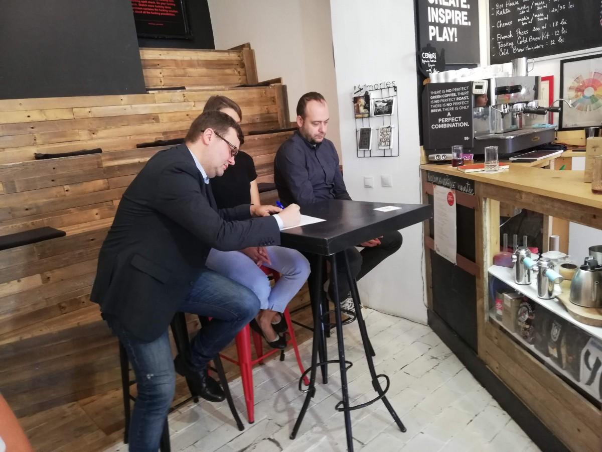 """Raimar Wagner semnează inițiativa """"Oameni noi în politică"""""""