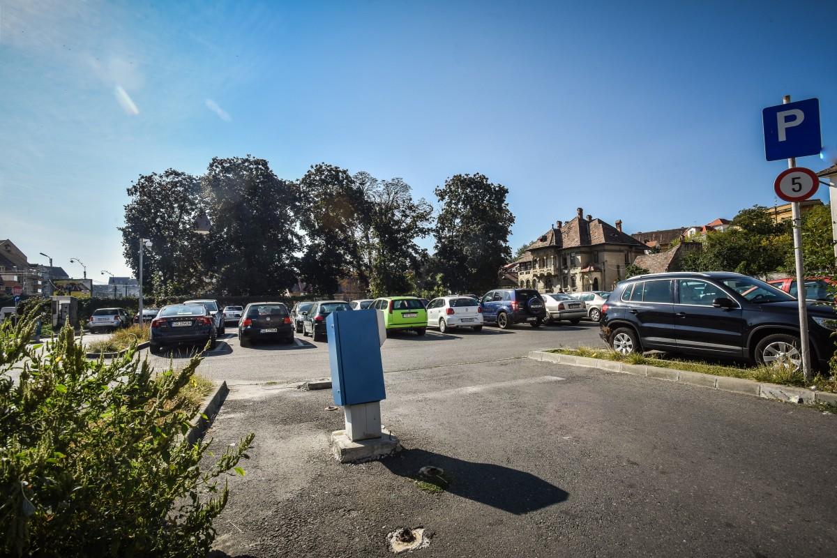 În locul parcării de pe strada Șelarilor (perpenticulară pe str. Constituției), CJ plănuiește ridicarea unei parcări supraetajate