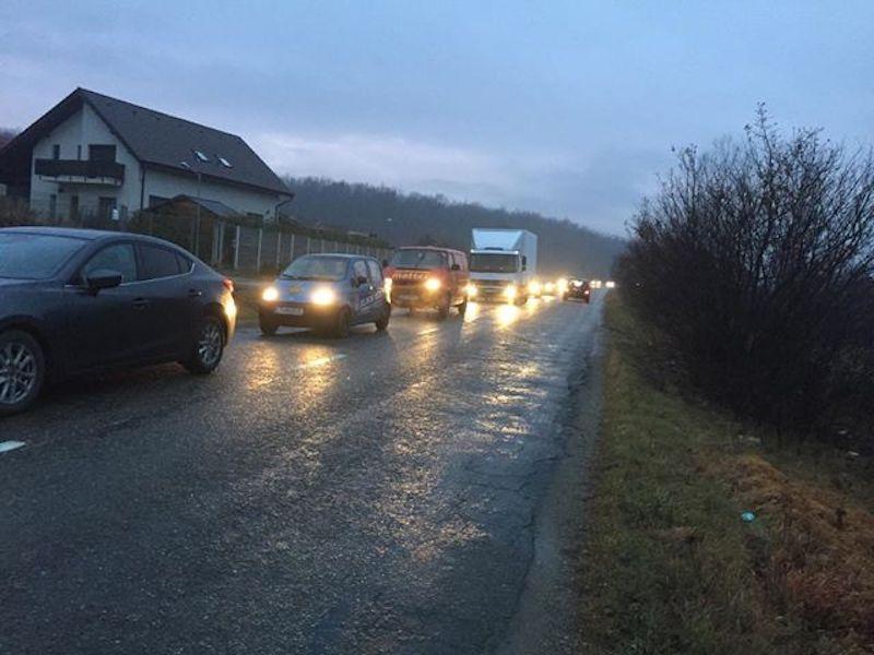 Drumul spre Sibiu via Șelimbăr durează din Cisnădie aproape o oră