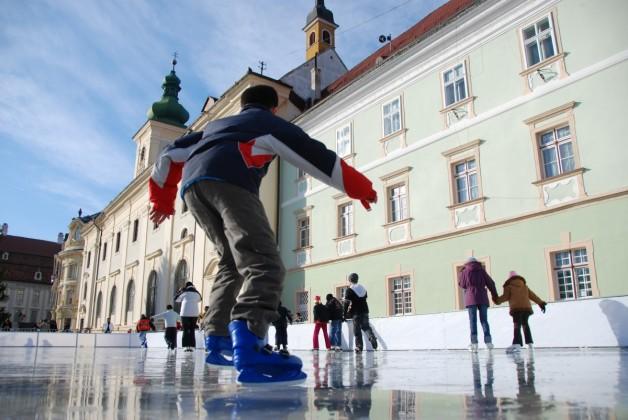patinoar piata mare (2)