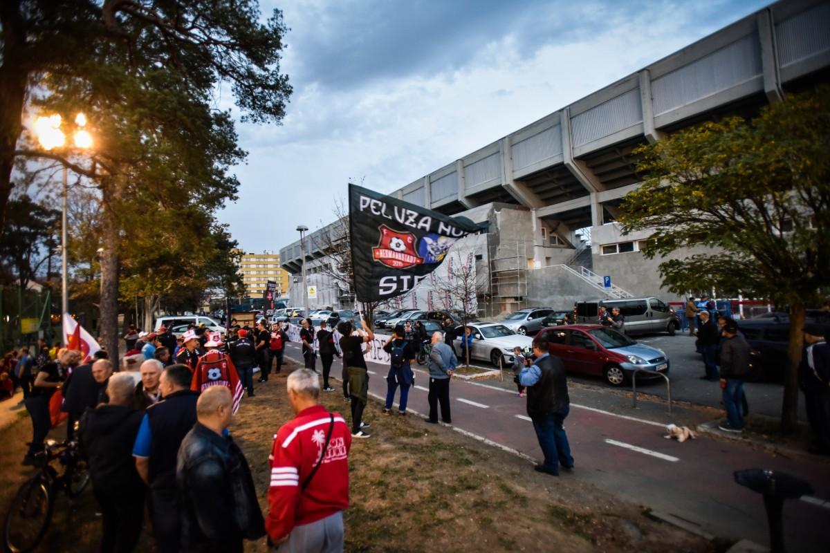 protest suporteri stadion (2)
