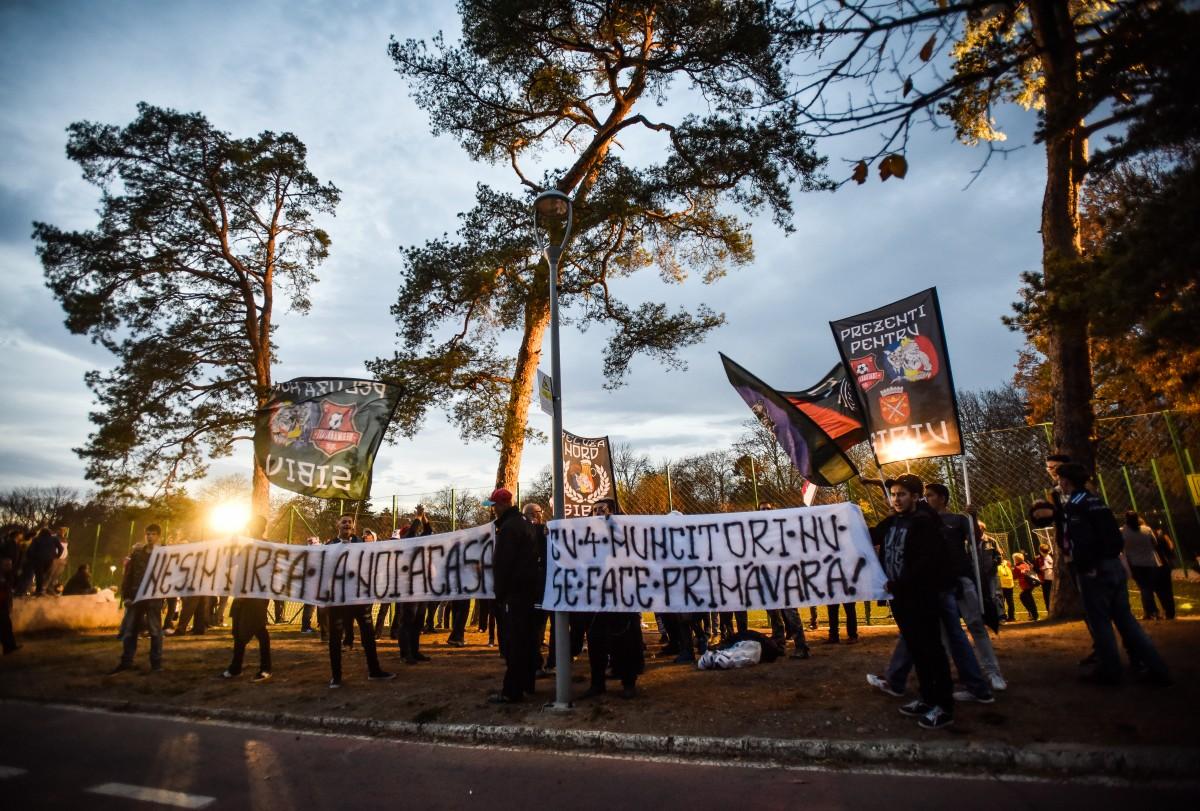 protest suporteri stadion (5)