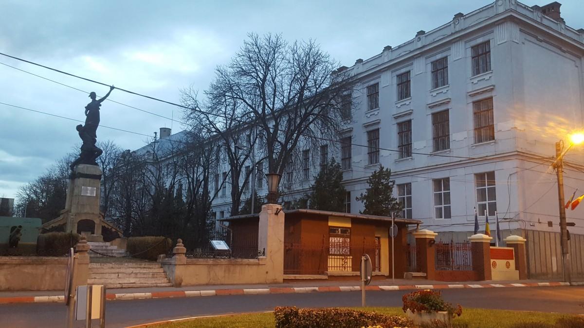 """Şcoala de Aplicaţie pentru Unităţi Sprijin Luptă """"Gl. Eremia Grigorescu"""""""