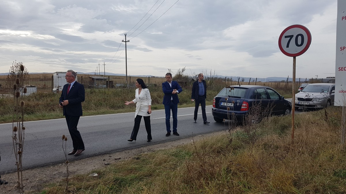 Sorina Pintea, actualul ministru al Sănătății, pe terenul unde e propusă construirea unui nou spital
